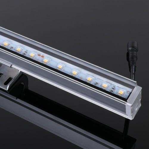 L12-706 12W线型灯