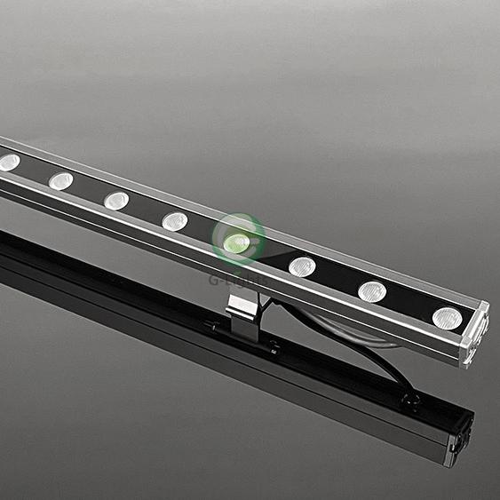 L18-002 18W结构防水洗墙灯